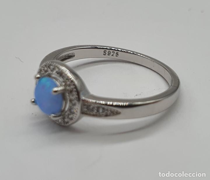 Joyeria: Preciosa sortija tipo solitario en plata de ley, circonitas talla brillante y ópalo circular . - Foto 5 - 217633167