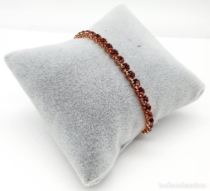 Joyeria: Elegante pulsera con baño de oro rosa de 18k y circonitas en tono vino rosado engarzadas . - Foto 2 - 218235635