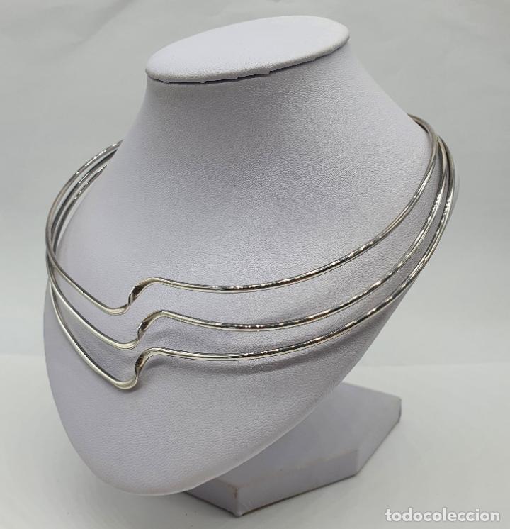 Joyeria: Gargantilla de diseño sofisticado tipo torque en plata de ley maciza con contraste . - Foto 2 - 218706381