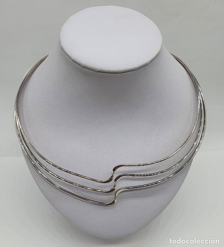 Joyeria: Gargantilla de diseño sofisticado tipo torque en plata de ley maciza con contraste . - Foto 3 - 218706381