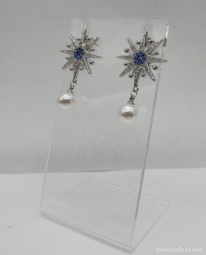 Joyeria: Elegantes pendientes en plata de ley, acabados en oro blanco de 18k, pedrería y perlas . - Foto 2 - 219016238