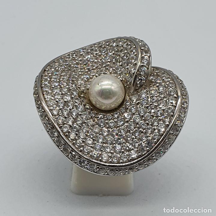 Joyeria: Majestuoso anillo de diseño en plata de ley maciza cuajado de circonitas talla brillante y perla . - Foto 5 - 220650381