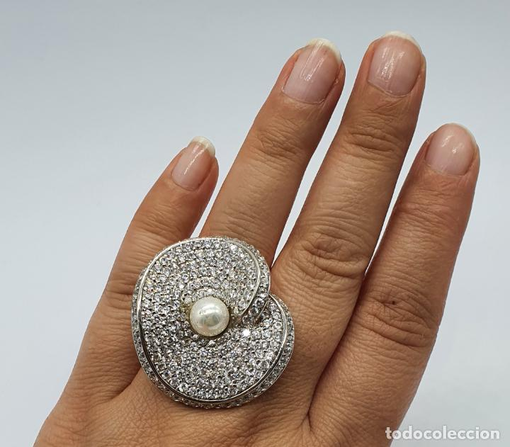 Joyeria: Majestuoso anillo de diseño en plata de ley maciza cuajado de circonitas talla brillante y perla . - Foto 9 - 220650381