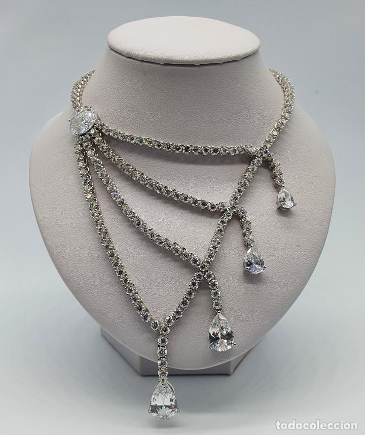 Joyeria: Majestuosa gargantilla de lujo en plata de ley, baño de oro blanco de 18k y circonitas engarzadas . - Foto 3 - 220887317