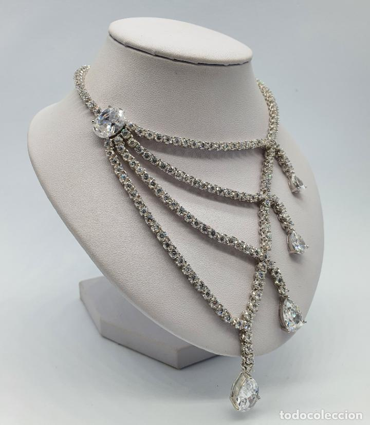 Joyeria: Majestuosa gargantilla de lujo en plata de ley, baño de oro blanco de 18k y circonitas engarzadas . - Foto 4 - 220887317
