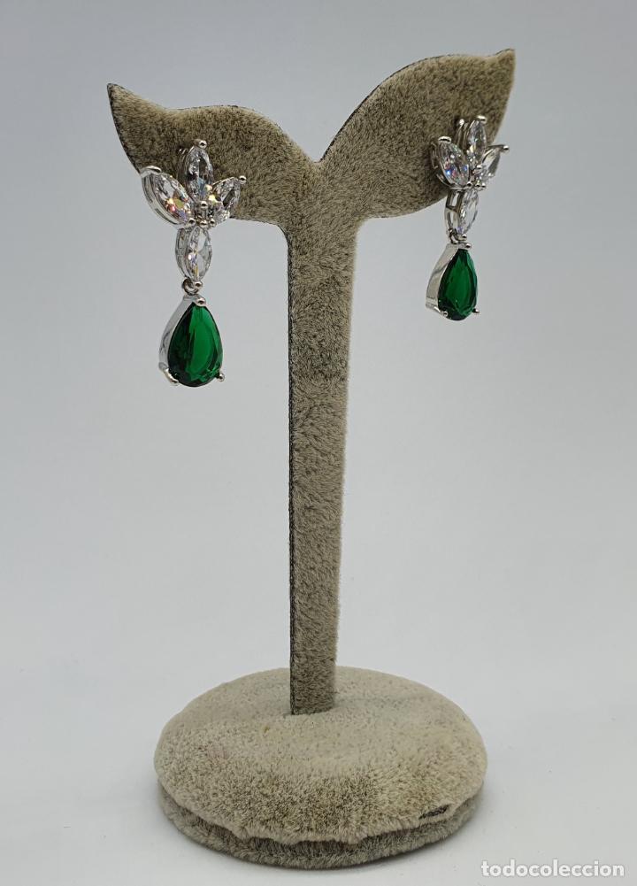Joyeria: Espectaculares pendientes estilo imperio chapados en oro blanco 18k, circonitas y esmeraldas creadas - Foto 4 - 220894750