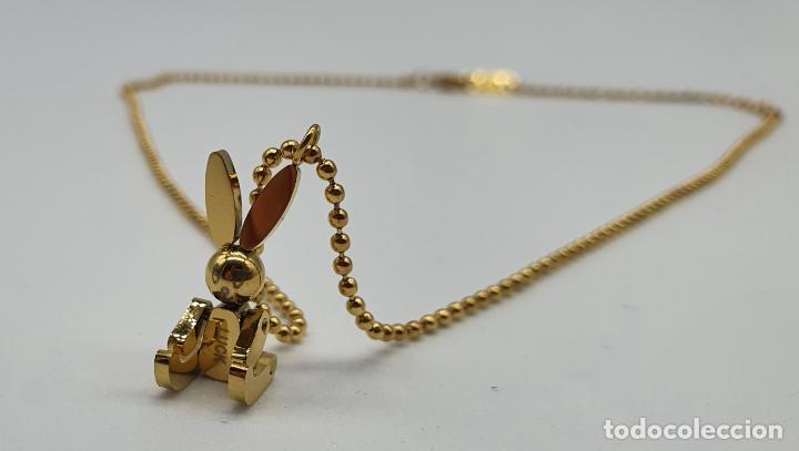 Joyeria: Bella gargantilla con conejito articulado simulando conejo de peluche de acero chapado en oro de 18k - Foto 5 - 221296457