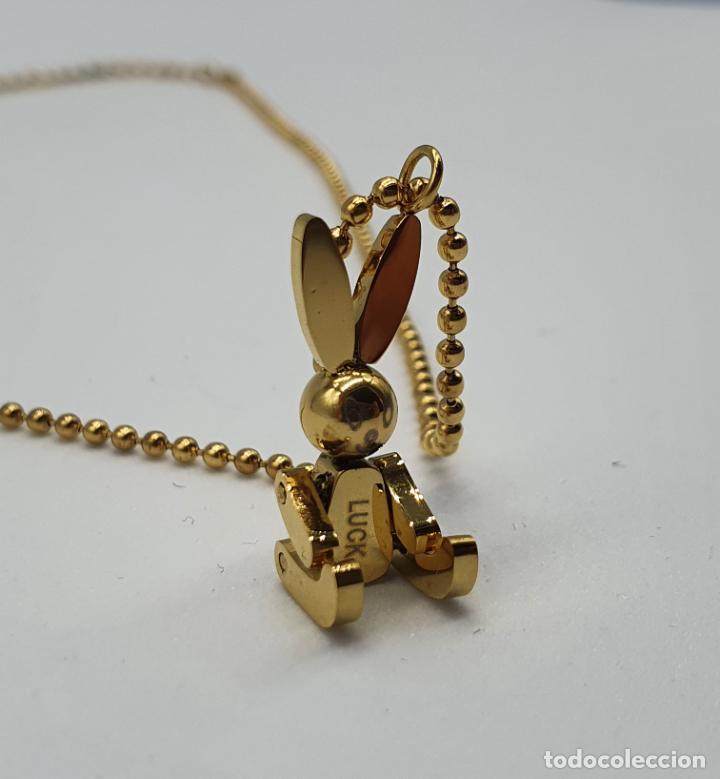 Joyeria: Bella gargantilla con conejito articulado simulando conejo de peluche de acero chapado en oro de 18k - Foto 6 - 221296457