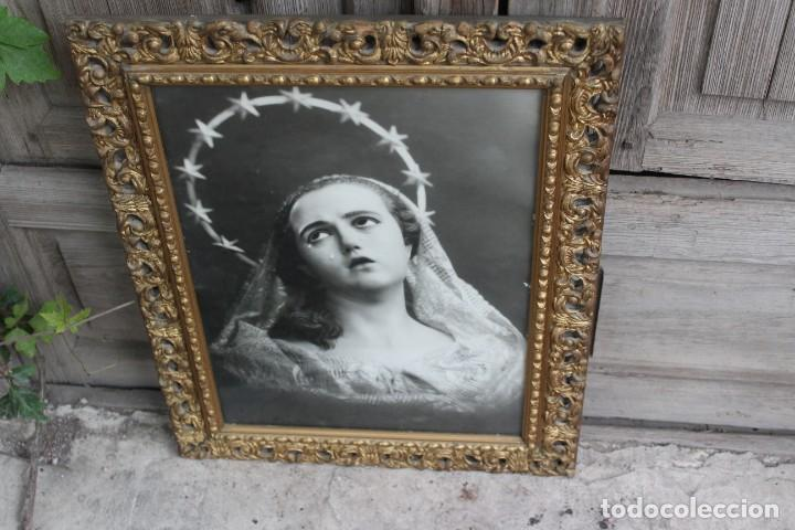 Joyeria: MARCO DE MADERA TALLADA CON FOTOGRAFIA ANTIGUA DE LA DOLOROSA VIRGEN DE SALZILLO SALCILLO MURCIA - Foto 3 - 221890626