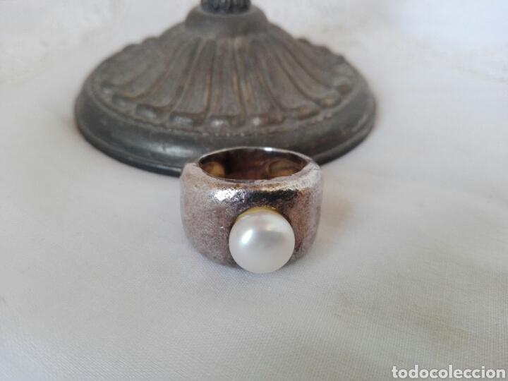 Joyeria: Anillo diseño antiguo en plata como oscurecida y gran simil perla, marca Tous - Foto 6 - 222458285