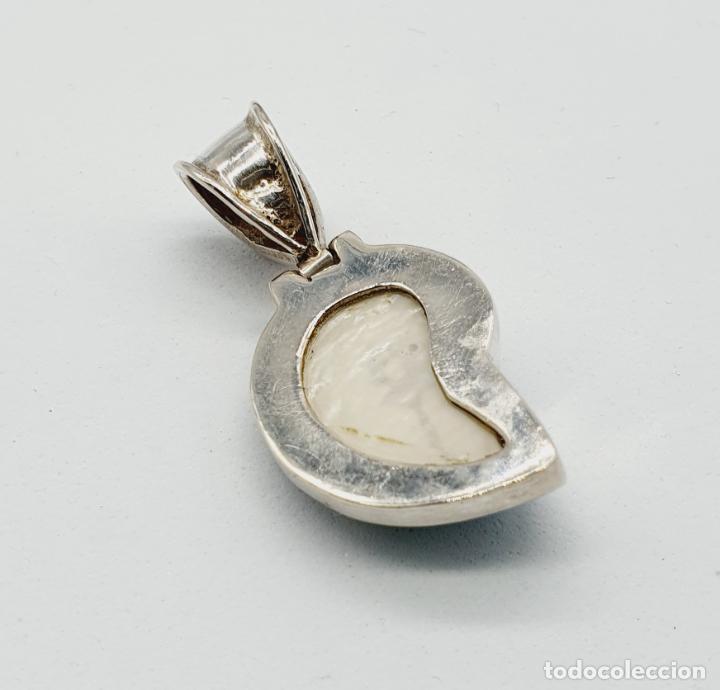 Joyeria: Precioso colgante antiguo en plata de ley con concha natural y aguamarina talla diamante incrustada - Foto 3 - 223642943