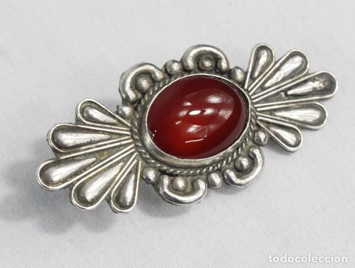 Joyeria: Gran broche en plata y granate- A large silver brooch with gemstone. ca 1890 - 60x25mm - Foto 2 - 224200067