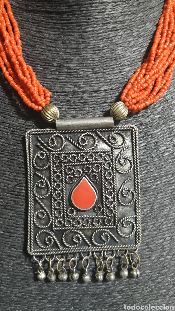 Joyeria: Collar coralina y adornos plata vieja - Foto 2 - 224504773