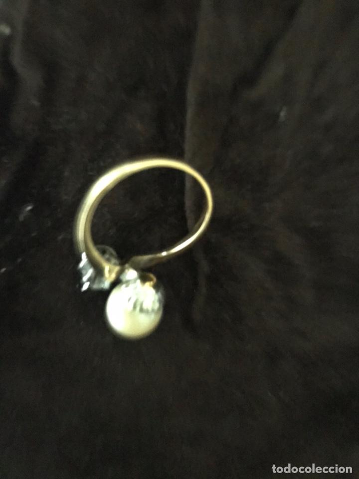 Joyeria: Anillo de oro con un gran diamante talla brillante y un perla - Foto 8 - 228071773