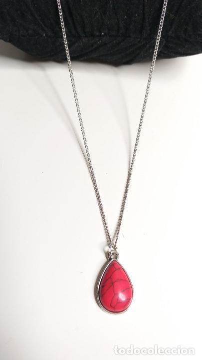Joyeria: Cadena plateada. Colgante en forma de lágrima, color rojo. 84 cm de largo - Foto 3 - 228563695