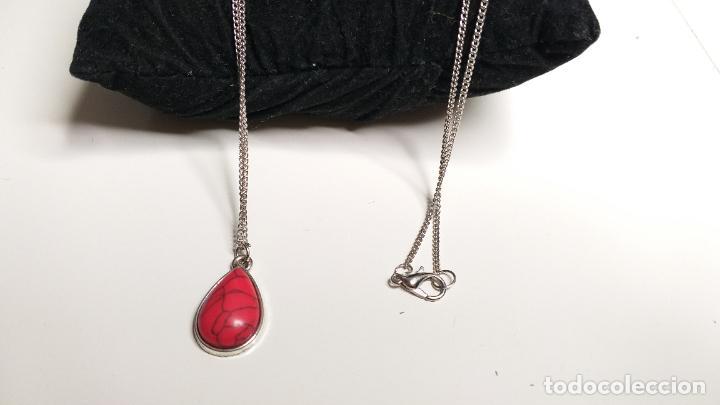 Joyeria: Cadena plateada. Colgante en forma de lágrima, color rojo. 84 cm de largo - Foto 4 - 228563695