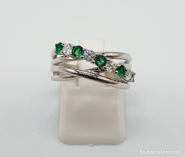 Joyeria: Elegante anillo en plata de ley, con circonitas y turmalinas verdelitas talla diamante engarzadas . - Foto 5 - 229695960
