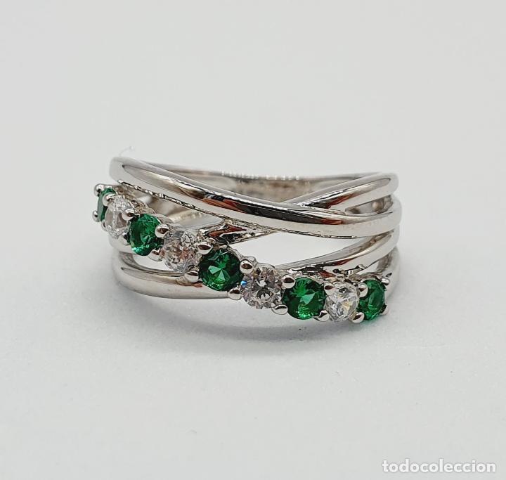 Joyeria: Elegante anillo en plata de ley, con circonitas y turmalinas verdelitas talla diamante engarzadas . - Foto 7 - 229695960