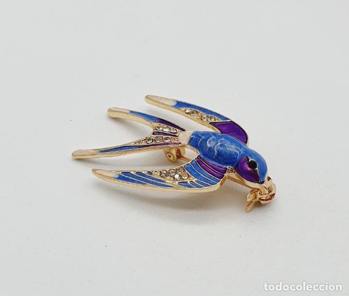 Joyeria: Precioso broche de golondrina con acabados en oro, esmaltes al fuego y circonitas talla brillante . - Foto 4 - 229899205