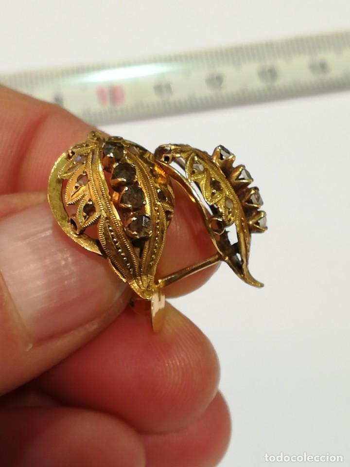 Joyeria: Pareja de pendientes de oro de 18k. Pendientes antiguos hoja. Con cristalitos. Perfecto estado. - Foto 2 - 234923680