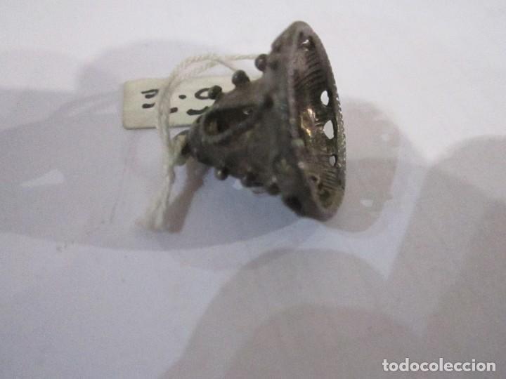Joyeria: Lote de tres colgantes de plata medida 2,5 y 2 cm. peso de los tres 14. gr. - Foto 2 - 235268335