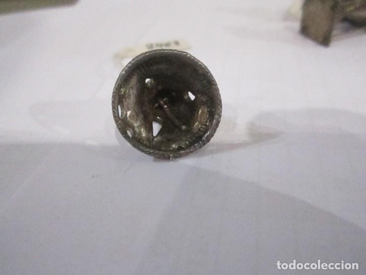 Joyeria: Lote de tres colgantes de plata medida 2,5 y 2 cm. peso de los tres 14. gr. - Foto 3 - 235268335