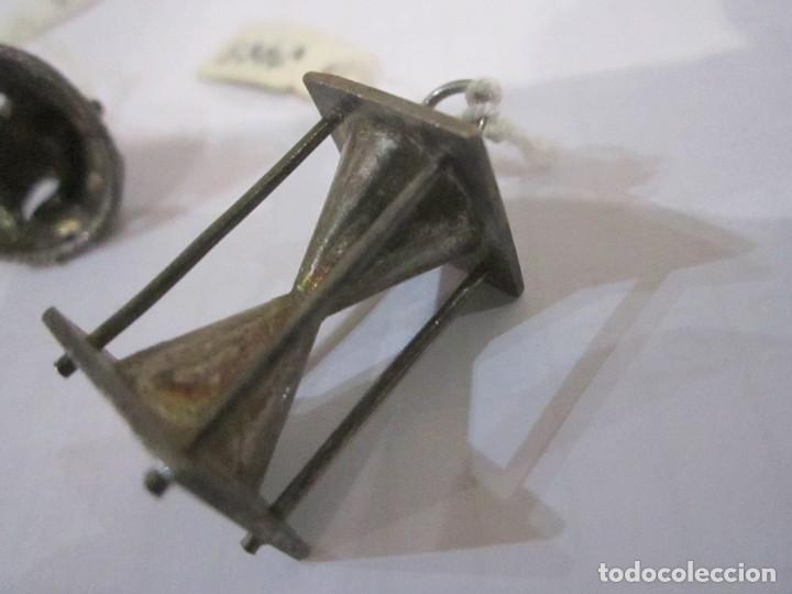 Joyeria: Lote de tres colgantes de plata medida 2,5 y 2 cm. peso de los tres 14. gr. - Foto 4 - 235268335