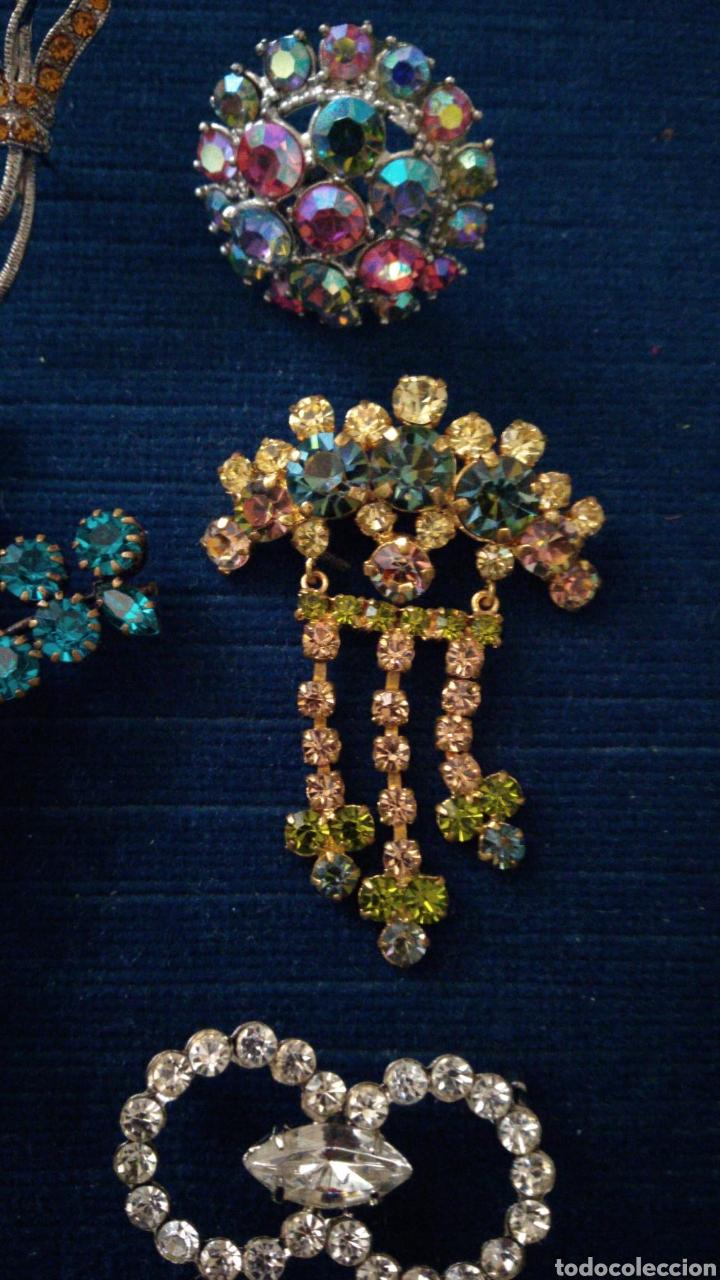 Joyeria: 6 Broches vintage en pedrería de cristal tallado de colores. - Foto 2 - 235630995