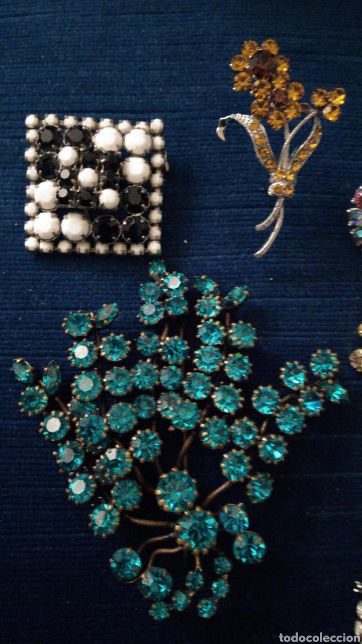 Joyeria: 6 Broches vintage en pedrería de cristal tallado de colores. - Foto 3 - 235630995
