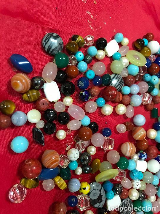 Joyeria: lote de bolas piedras de diferentes medidas y estilos, turquesitas, ojo de tigre etc, - Foto 2 - 236341200
