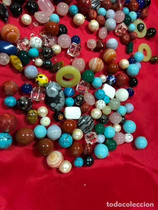 Joyeria: lote de bolas piedras de diferentes medidas y estilos, turquesitas, ojo de tigre etc, - Foto 4 - 236341200