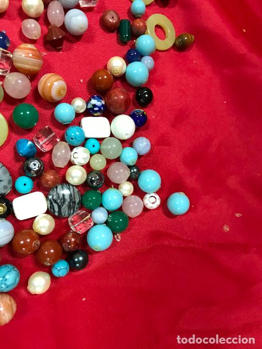 Joyeria: lote de bolas piedras de diferentes medidas y estilos, turquesitas, ojo de tigre etc, - Foto 7 - 236341200