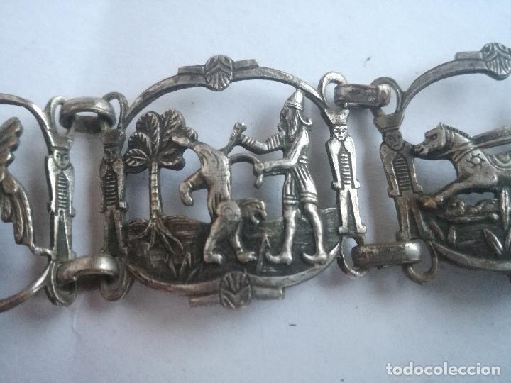 Joyeria: CURIOSO BRAZALETE TALLADO EN METAL PLATEADO CON IMAGENES DE LA ANTIGUA BABILONIA - Foto 8 - 236456665