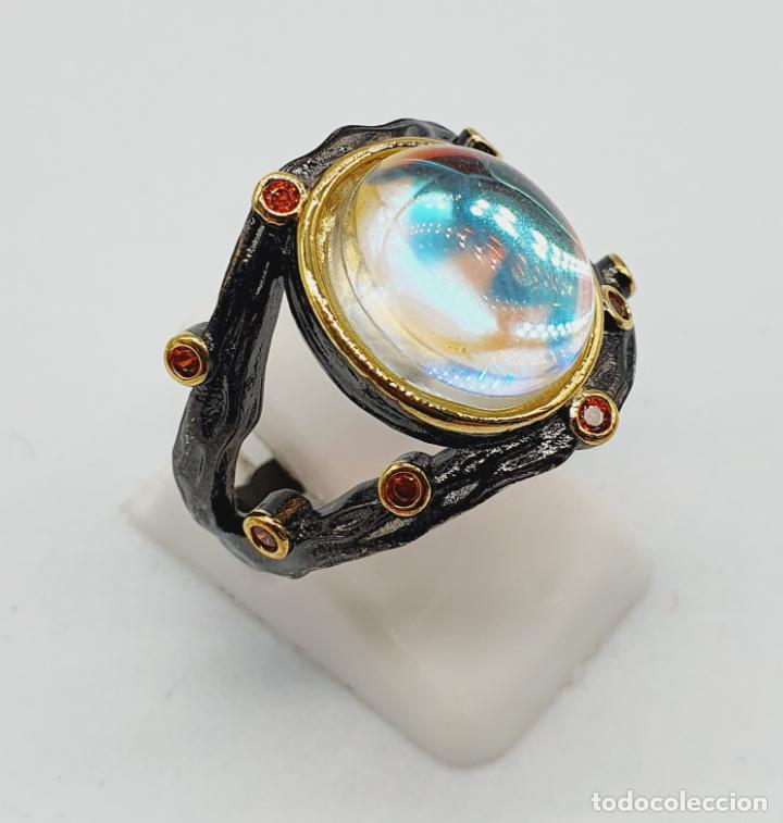 Joyeria: Original anillo de diseño chapado en rutenio, oro de 18k, turmalinas y cabujon opalescente . - Foto 3 - 238509990