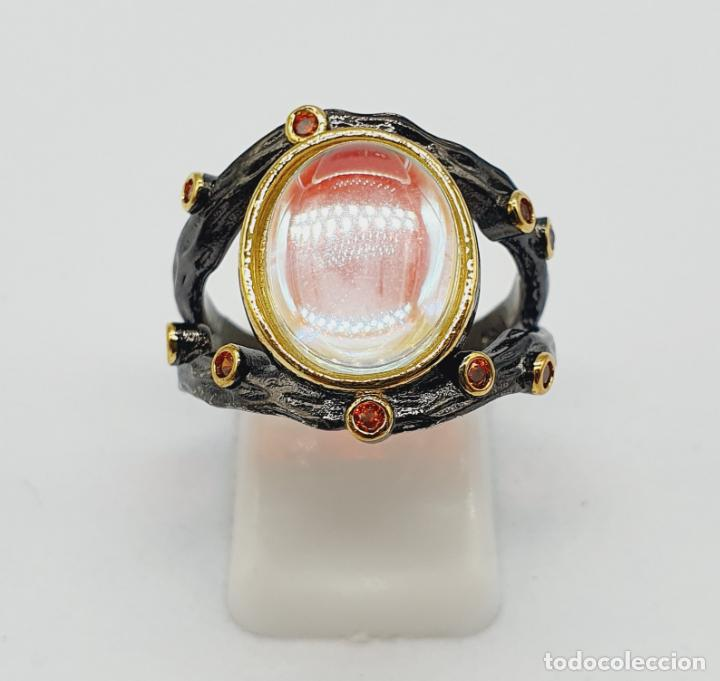 Joyeria: Original anillo de diseño chapado en rutenio, oro de 18k, turmalinas y cabujon opalescente . - Foto 4 - 238509990