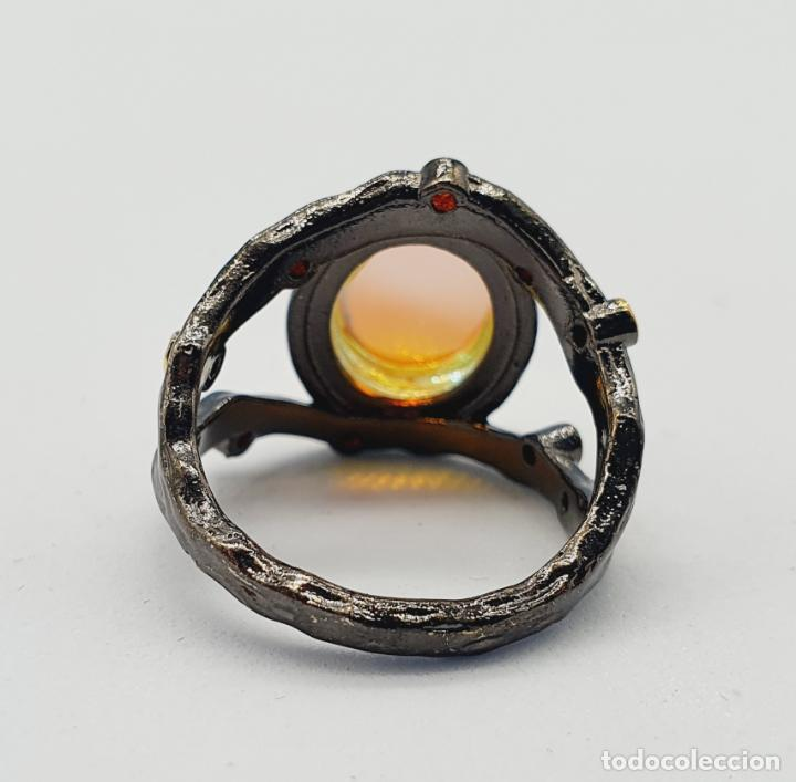 Joyeria: Original anillo de diseño chapado en rutenio, oro de 18k, turmalinas y cabujon opalescente . - Foto 5 - 238509990