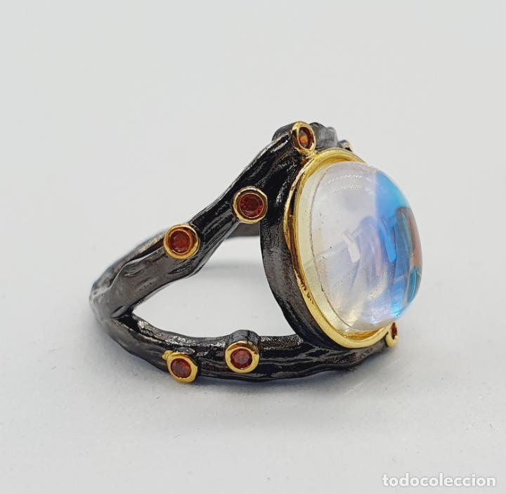 Joyeria: Original anillo de diseño chapado en rutenio, oro de 18k, turmalinas y cabujon opalescente . - Foto 6 - 238509990