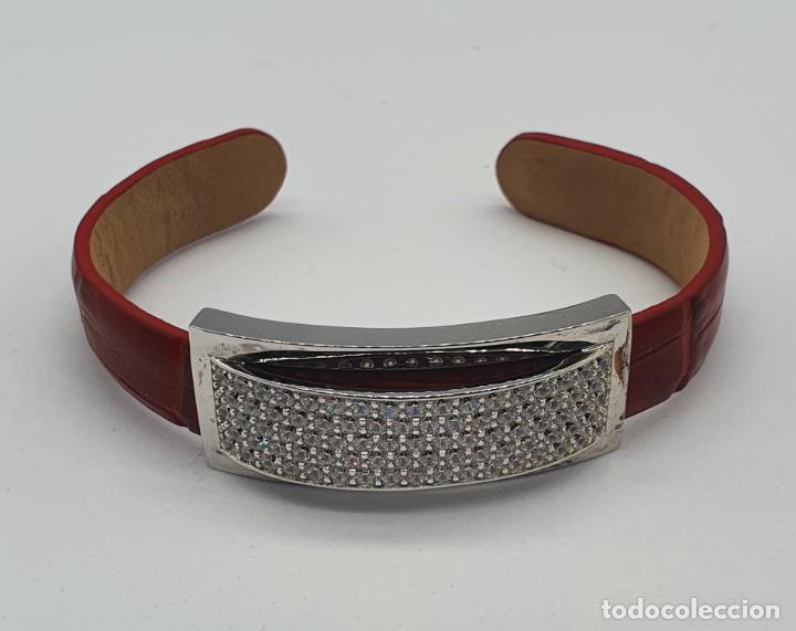 Joyeria: Sofisticado brazalete de diseño elegante en plata de ley, cuero rojo y pavé de circonitas . - Foto 4 - 238651745