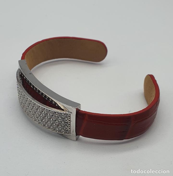 Joyeria: Sofisticado brazalete de diseño elegante en plata de ley, cuero rojo y pavé de circonitas . - Foto 5 - 238651745