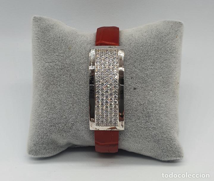 Joyeria: Sofisticado brazalete de diseño elegante en plata de ley, cuero rojo y pavé de circonitas . - Foto 8 - 238651745