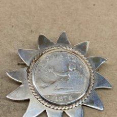 Joyeria: BROCHE DE PLATA CON MONEDA 2 PESETAS 1870. Lote 243791745