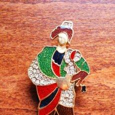Joyeria: PRECIOSO BROCHE DE METAL CHAPADO EN ORO, ESMALTE Y CIRCONITAS, FIRMADO LERITZ (FOTOS ADICIONALES). Lote 244268260