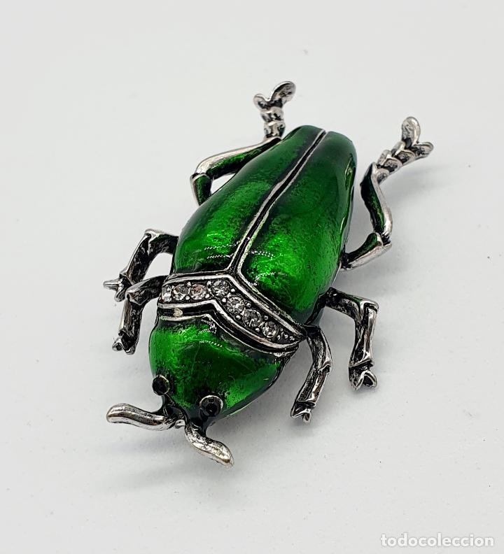Joyeria: Elegante broche de insecto estilo art decó con baño de plata, esmaltes al fuego y circonitas . - Foto 2 - 244885765
