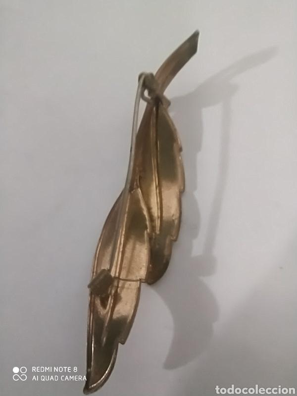 Joyeria: Preciosa hoja broche dorada brillante damascada con cristal radiante arcoiris - Foto 3 - 246020640