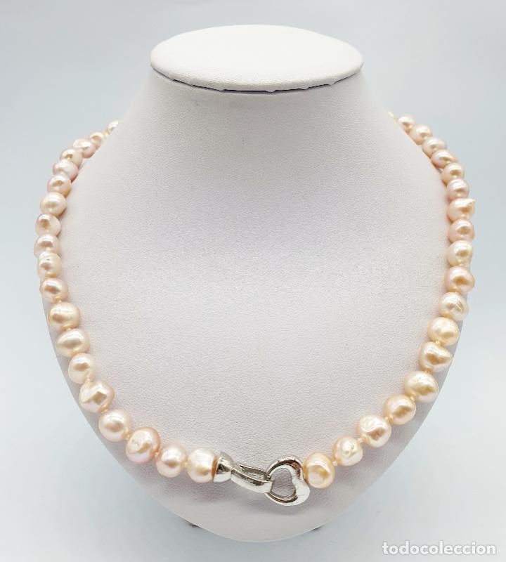 Joyeria: Elegante gargantilla de perlas cultivadas en tonos pastel con cierre chapado en oro blanco de 18k . - Foto 3 - 246320765