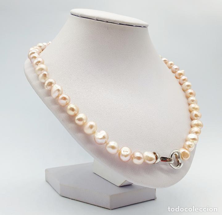 Joyeria: Elegante gargantilla de perlas cultivadas en tonos pastel con cierre chapado en oro blanco de 18k . - Foto 4 - 246320765