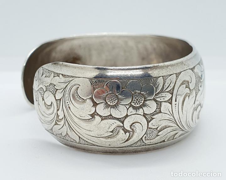 Joyeria: Precioso brazalete antiguo en plata de ley bellamente cincelada a mano con motivos rococó . - Foto 4 - 249333160