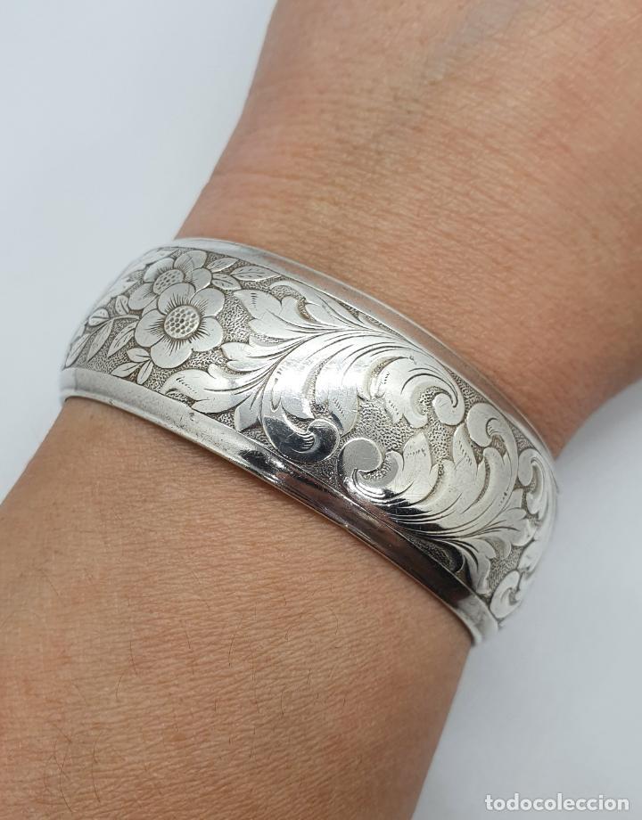 Joyeria: Precioso brazalete antiguo en plata de ley bellamente cincelada a mano con motivos rococó . - Foto 6 - 249333160