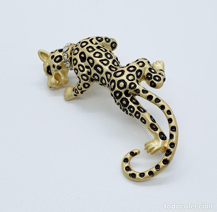 Joyeria: Elegante broche de lujo, pantera con acabado en oro mate, esmalte y circonitas talla brillante . - Foto 4 - 254856610