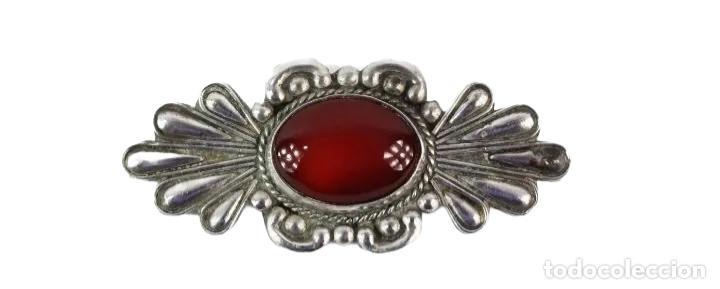 Joyeria: Gran broche en plata y granate- A large silver brooch with gemstone. ca 1890 - 60x25mm - Foto 2 - 224200067